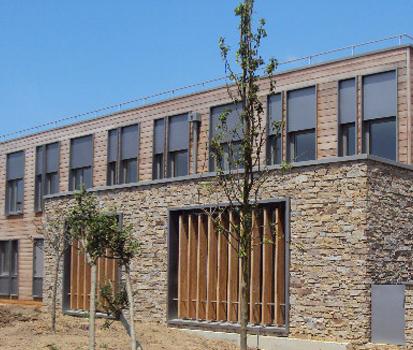 Paneles de piedra natural stonepanel para el nuevo centro - Paneles piedra natural ...