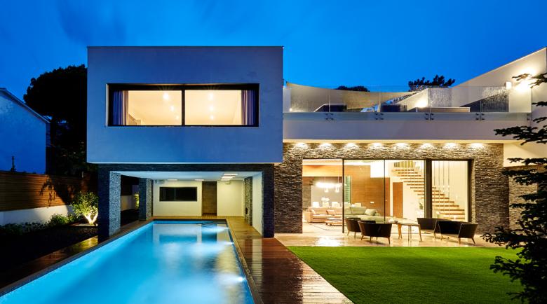 Casa SF con STONEPANEL en la fachada