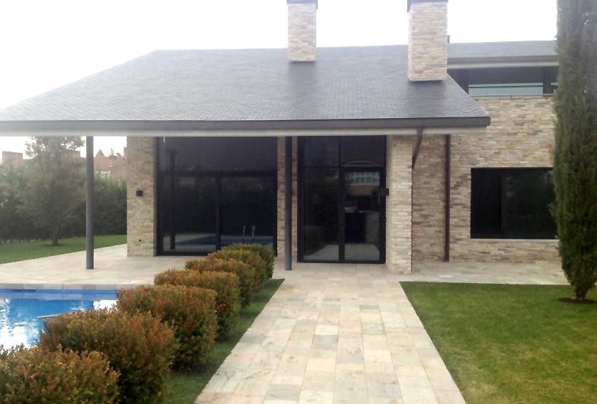 Cuarcitas de villafranca perfectas para fachadas modernas - Suelos para casas modernas ...