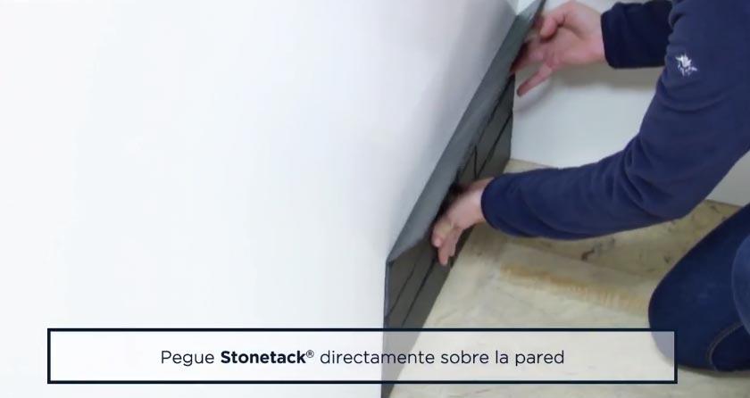 STONETACK: pegar el panel de abajo hacia arriba