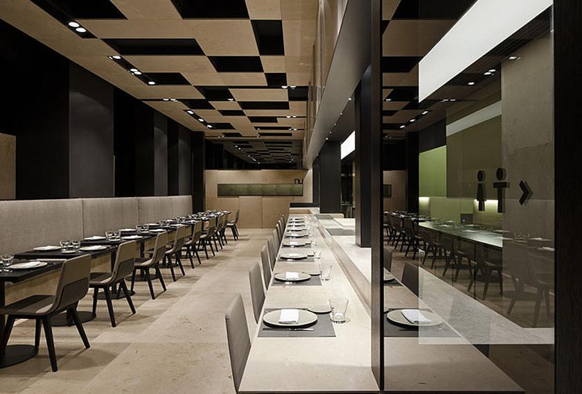 Restaurante Nu cubierto con piedra natural