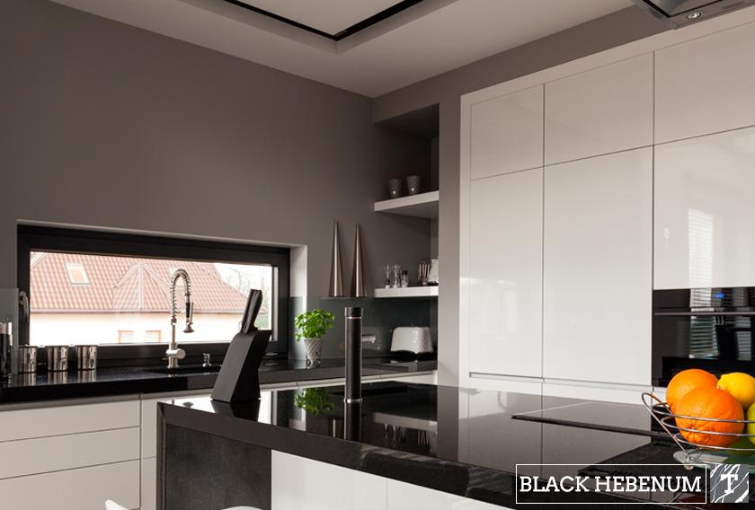 Granito Black Hebenum de la colección TERRA, perfecto para encimeras negras