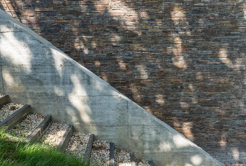 Fachada cubierta con Stonepanel Multicolor CUPA STONE