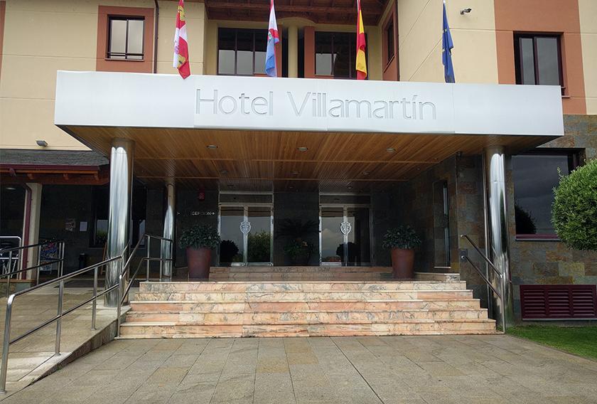 Fachada de Pizarra Multicolor en el Hotel Villamartín